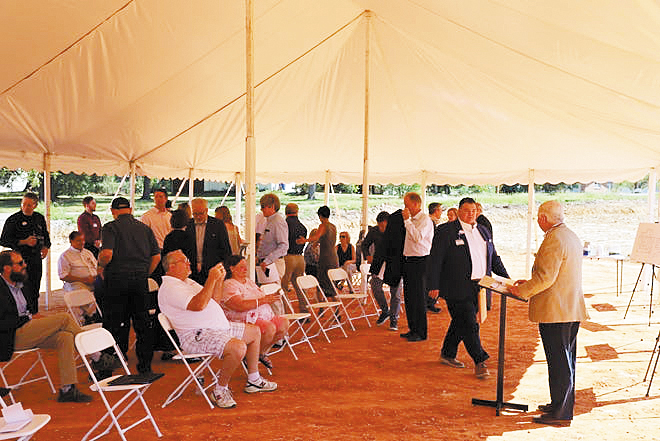Baxter Regional and Highlands Oncology Break Ground on New Center